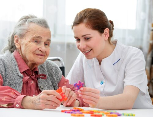 How to Creatively Manage a Loved One Who is Showing Signs of Cognitive Decline